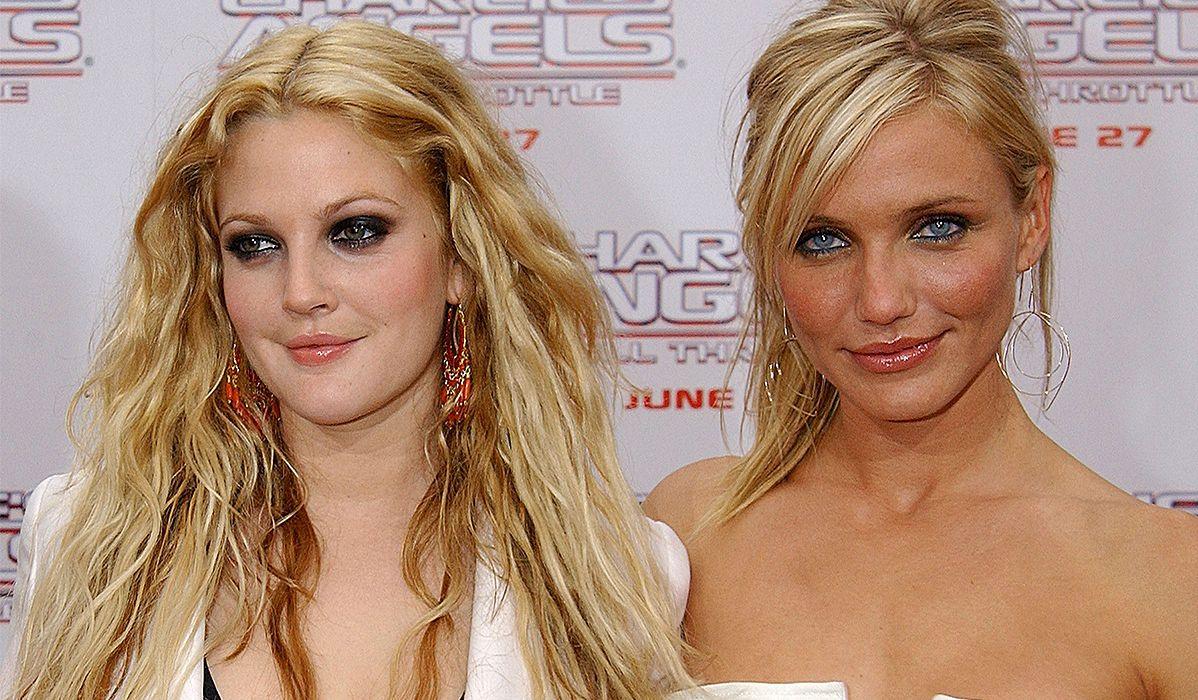 """Cameron Diaz i Drew Barrymore w 2003 roku na premierze drugiej części """"Aniołków Charliego""""."""