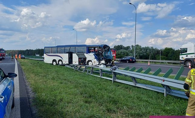 Łódzkie. Wypadek autobusu wycieczkowego, na pokładzie dzieci
