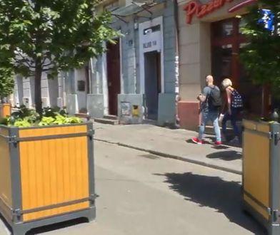 Kraków narobił sobie problemów. Przez donice na Kazimierzu