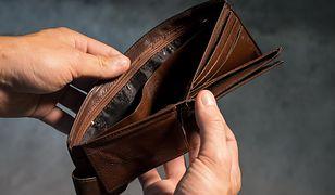 Życie na kredyt wciąż popularne. Polacy nie oszczędzają