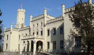 """Zamek, w którym mieści się """"romantyczny hotel"""", można teraz kupić za 1,5 mln euro"""