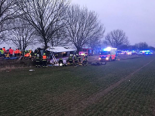 Wypadek autobusu pod Pragą. Trzy osoby nie żyją