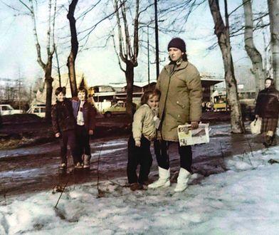 Zimą w PRL-u mieszczuchy wykorzystywały każdą zamarzniętą kałużę i robiły z niej przednią ślizgawkę