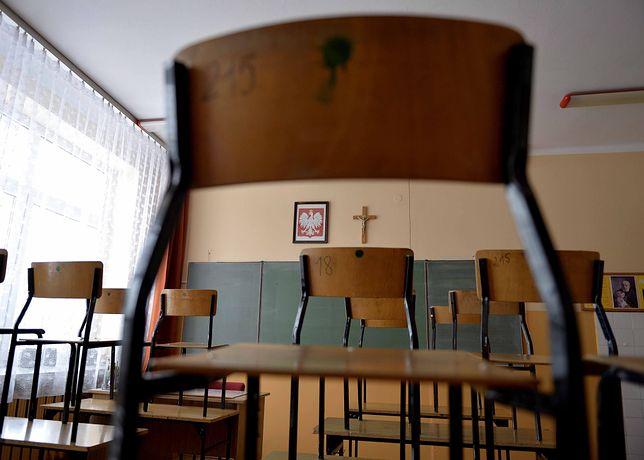 Wojskowa musztra po katolicku, czyli gimnazjum za murami zakonu
