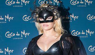 Pamela Anderson wielbicielką lateksu? Pokazała się w opinającej sukience