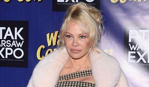 Pamela Anderson w Polsce! Aktorka wciąż ma boskie ciało, ale jej twarz...