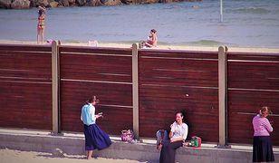 """""""Koszerna plaża"""": nawet ortodoksyjnym Żydówkom należy się relaks"""