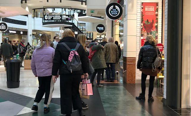 28 listopada, po 21 dniach zamknięcia, otwarte zostały wszystkie sklepy w galeriach handlowych