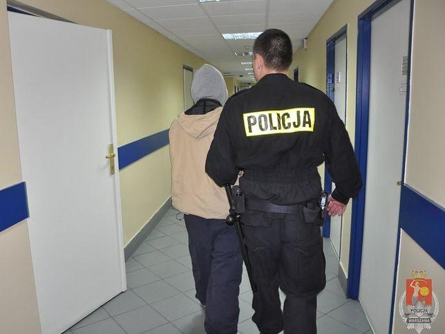 Fani Legii napadli w pociągu na obywateli Cypru. Ukradli im mienie o wartości 5,5 tysiąca zł