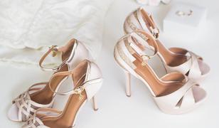 Jasne sandały na szpilkach będą hitem lata