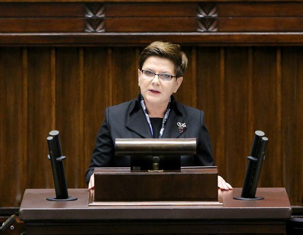 """""""Mniej arogancji, więcej rozmów z Polakami i słuchania ich głosu"""" - premier wygłosiła expose"""