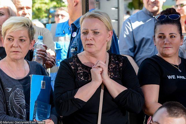 Komitet PiS Gminy Bełchatów zarzucił Iwonie Hartwich kierowanie się nie dobrem dziecka, ale chęcią zdobycia pieniędzy