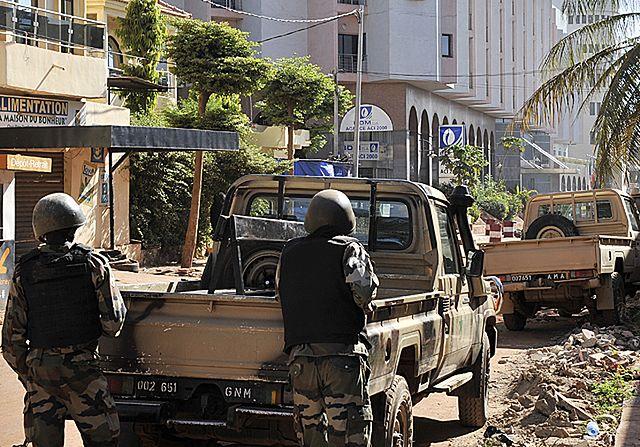 Atak terrorystów na hotel w stolicy Mali - zdjęcia