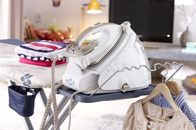 Po użyciu stacji parowej tkaniny pozostają gładkie przez dłuższy czas niż w przypadku tradycyjnego żelazka
