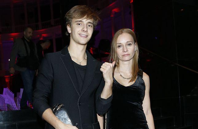 Maciej Musiał z mamą Anną