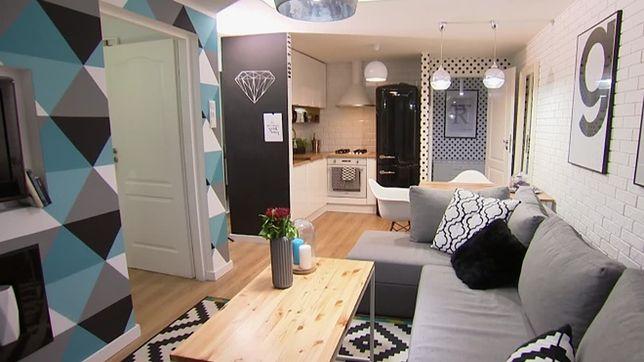 Biało-czarne mieszkanie wygląda jak labirynt