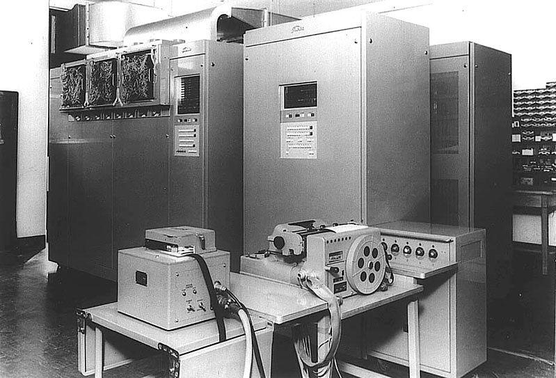 Toshiba oszukuje od lat, tylko nikt o tym nie wiedział? - KT-Pilot, pierwszy japońskie komputer stworzony przez  Tokyo Shibaura Electric  i Uniwersytet w Kyoto. (1962 r.)
