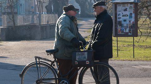 UKE: SMS-y popularne wśród seniorów w Polsce