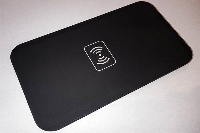 Bezprzewodowa, niedroga ładowarka do smartfonów - produkt idealny?