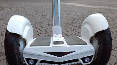 Segway przystosowany do turystyki miejskiej. Recenzja i testy Airwheel S3