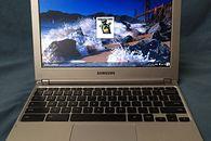Chromebook na co dzień — część 1 Samsung Chromebook - Ekran nie jest najwyższych lotów, jednak nie jest powodem do wstydu. Ot, przeciętniak pokryty warstwą antyodblaskową.