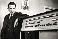 Elwro część 3 – pierwsza, seryjna Odra - Mieczysław Toroń, kierownik ODM Katowice przy elektronicznej maszynie cyfrowej  ODRA-1003 (pierwsza elektroniczna maszyna cyfrowa w krajowej energetyce zainstalowana staraniem M. Toronia w ODM Katowice w 1965 r.)