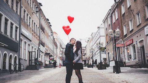 Walentynkowe promocje: większe doładowania w Plusie, tańsze smartfony w Play