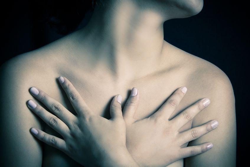 Kobiecie piersi z wiekiem tracą jędrność
