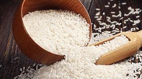 Dlaczego powinieneś włożyć ryż do szafy? Efekt cię zaskoczy (WIDEO)