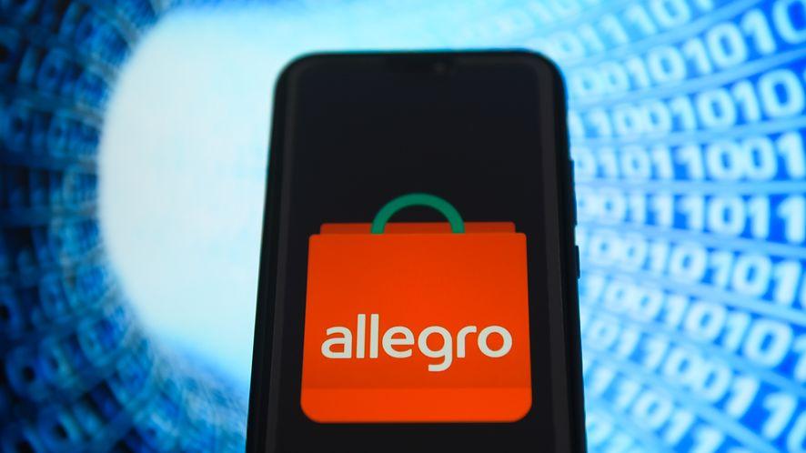 Allegro pozwala usunąć zapisaną kartę płatniczą (Getty Images)