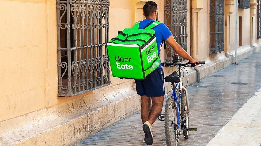 Uber Eats dostarczy zakupy do domu. Na razie nie w Polsce