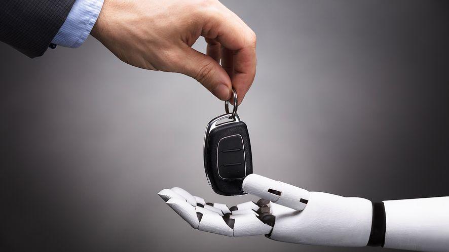 Pojazdy autonomiczne: To ludzie są problemem, nie maszyny!