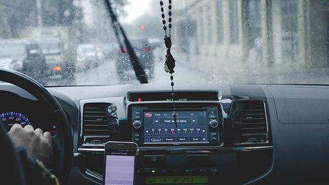 AutoCB – nowa aplikacja AutoMapy połączeniem radia CB i krótkofalówki