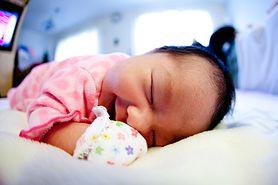 Ile powinien spać niemowlak?