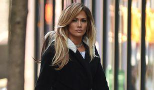 Jennifer Lopez ma 49 lat