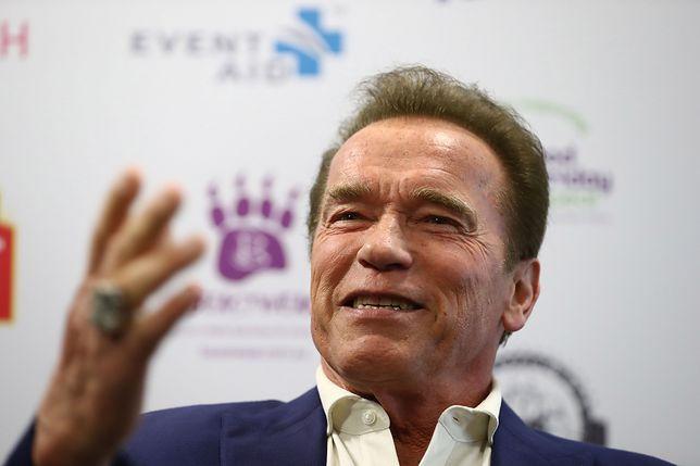 """Po 27 latach pstryknęli sobie takie samo zdjęcie. Schwarzenegger i Hamilton na planie nowego """"Terminatora"""""""