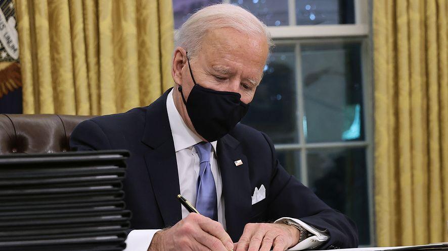 Biden chce ukarać Putina za ingerencję w wybory. Rosja miała wykorzystać trolli