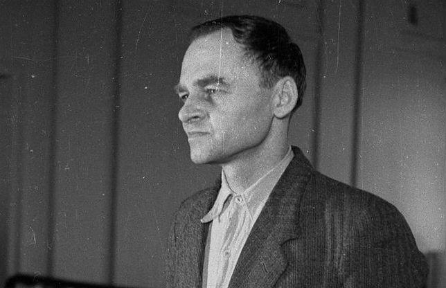 Witold Pilecki składa zeznania w procesie przed Wojskowym Sądem Rejonowym w Warszawie