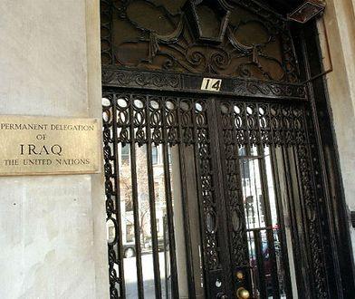 Wejście do budynku, gdzie mieści się stałe przedstawicielstwo Iraku przy ONZ w Nowym Jorku