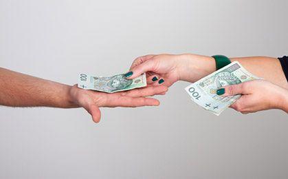 Dekoniunktura zachęca do płacenia pod stołem