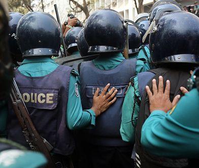 Przerażające sceny z Bangladeszu. Starcia policji z robotnikami. Są ofiary śmiertelne