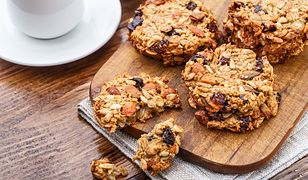 Ciasteczka owsiane to zdrowy deser, na który możesz sobie pozwolić również na diecie, oczywiście z umiarem
