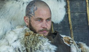 """Travis Fimmel jako Ragnar Lodbrok w popularnym serialu """"Wikingowie"""""""