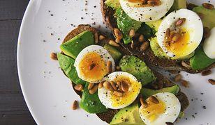 Dieta jajeczna łączy w sobie także inne potrzebne składniki.