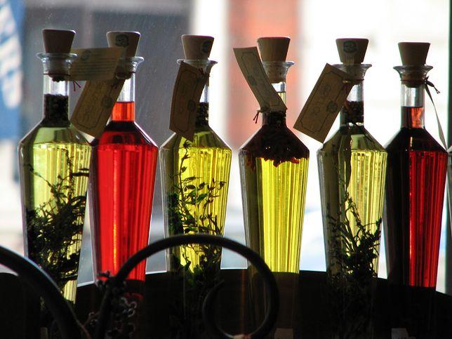 Cermidy w kosmetykach stosowane regularnie mogą znacząco wpłynąć na poprawę ogólnej kondycji naszej skóry.