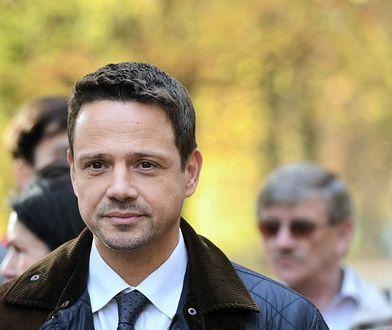 Rafał Trzaskowski przestrzega ograniczeniem funduszy z UE
