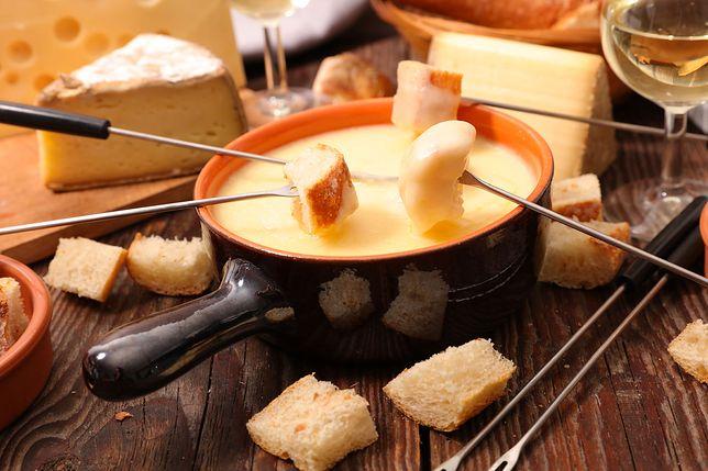 Fondue - serowa przekąska na gorąco