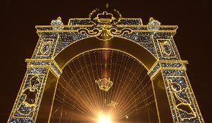 W wielu miejscach w Polsce można zobaczyć zimowe iluminacje. Cieszą się ogromną popularnością
