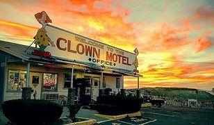 Motel Klaunów zlokalizowany jest w mieście Tonopah w stanie Nevada