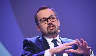 """PiS dofinansowuje """"faszystowskie bojówki""""? Horała odpiera zarzuty"""